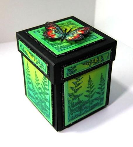 Красивая коробка с сюрпризом