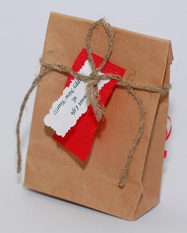Может пригодится для оформления подарков и интересных новогодних поделок!