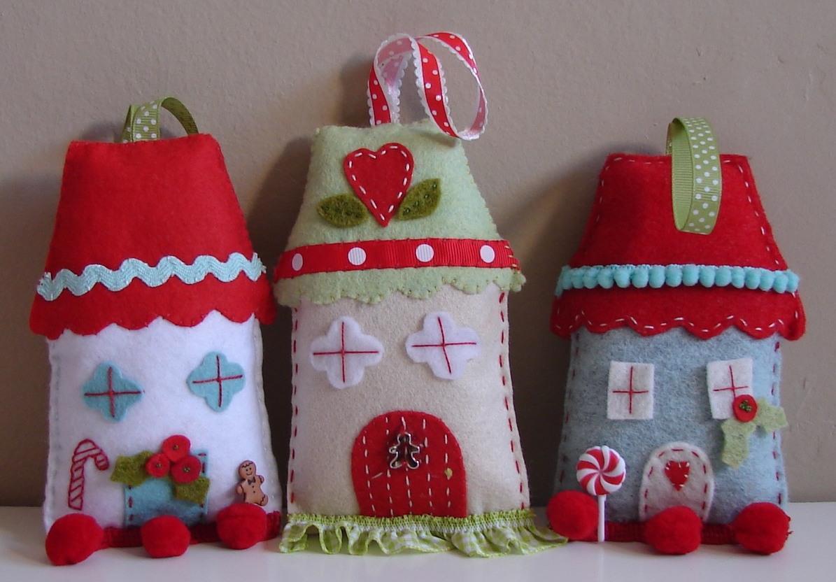 Новогодние домики из фетра своими руками